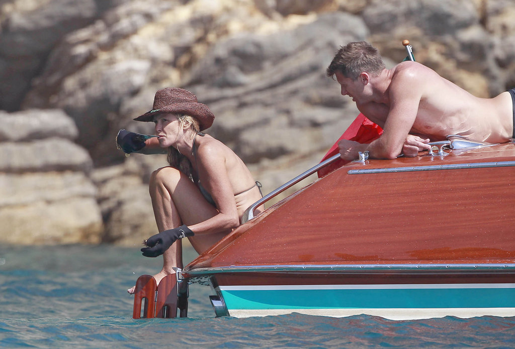 Elle Macpherson went boating in Spain.