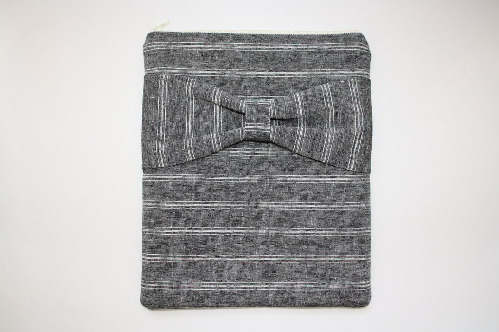 Gray Linen iPad Sleeve With Bow ($40)
