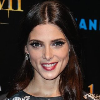 Ashley Greene's Full Eyelashes Makeup Look