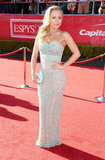 Hayden Panettiere looked beautiful in a strapless, floor length gown.
