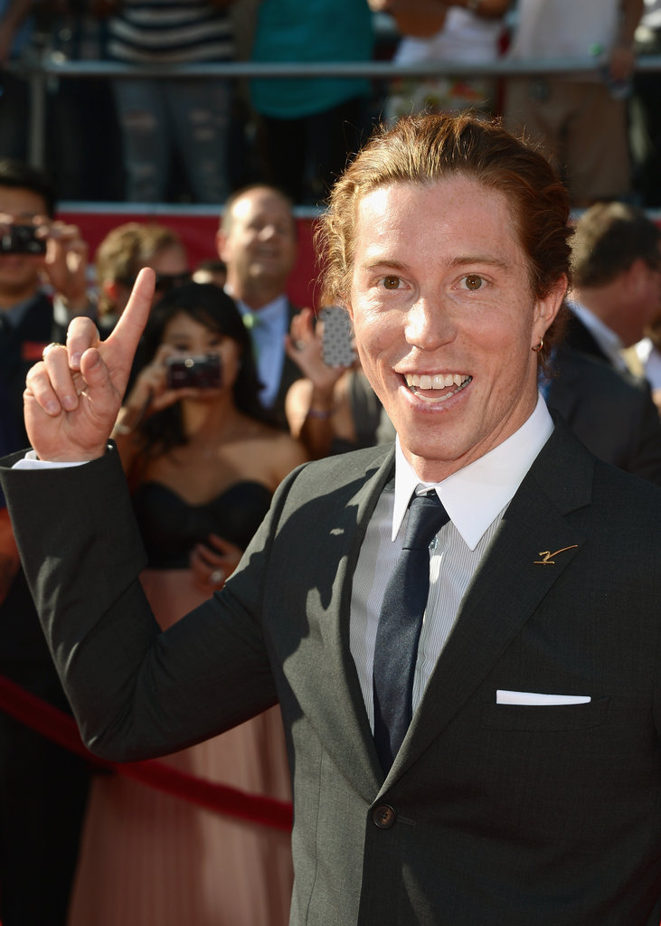 Shaun White flashed a number 1 sign on the red carpet.