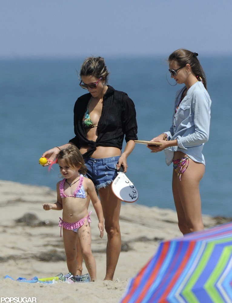 Alessanda Ambrosio and her daughter Anja Mazur played in Malibu.