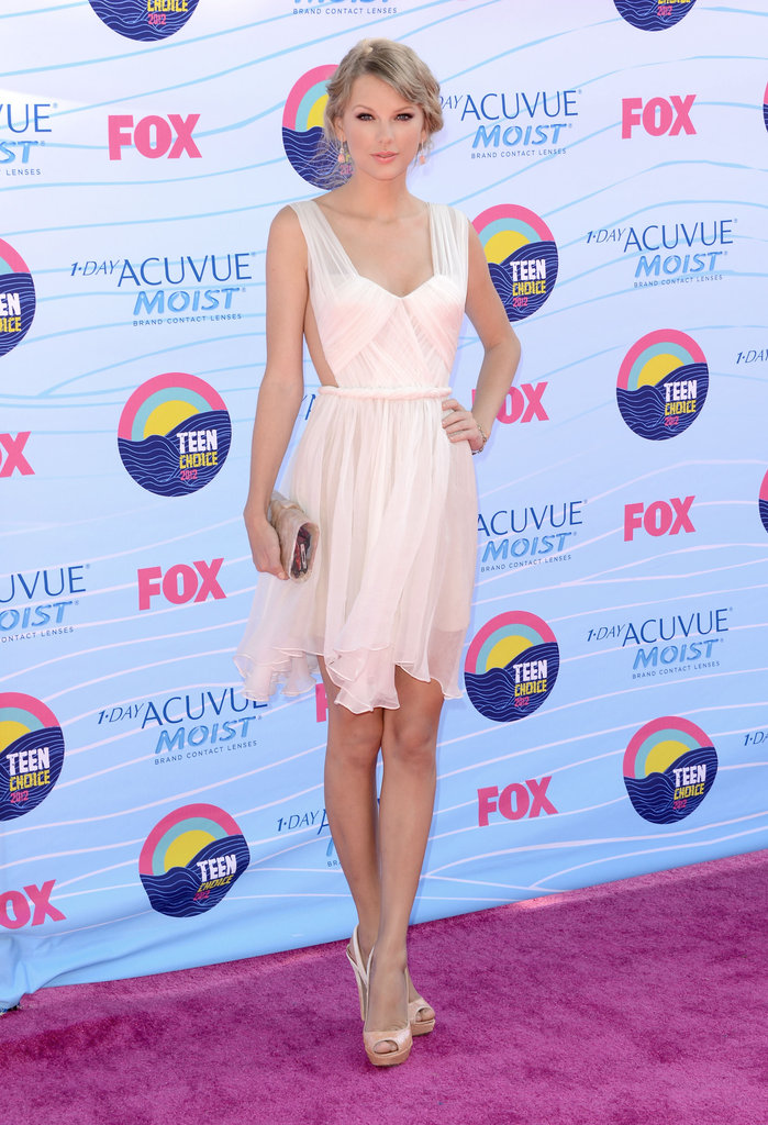Taylor Swift posed at the Teen Choice Awards.