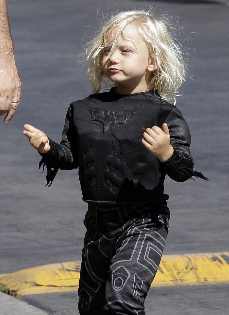 Gwen Stefani Logs Bikini Time at the Beach With Zuma Before No Doubt's Video Debut