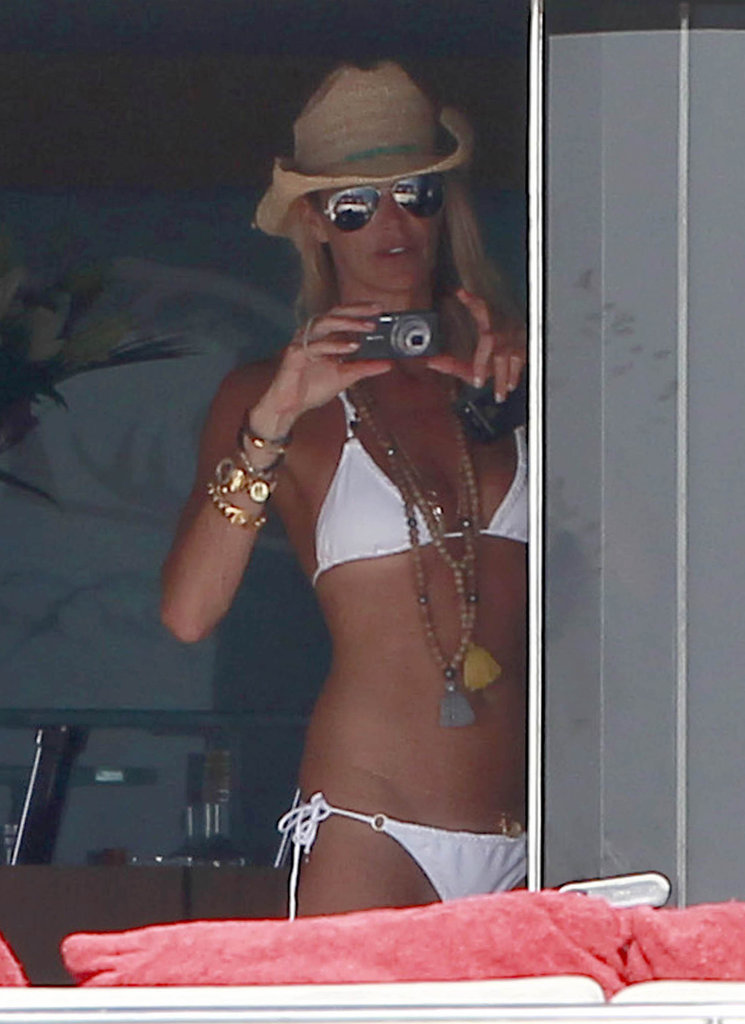 Elle Macpherson wore a white bikini on vacation.