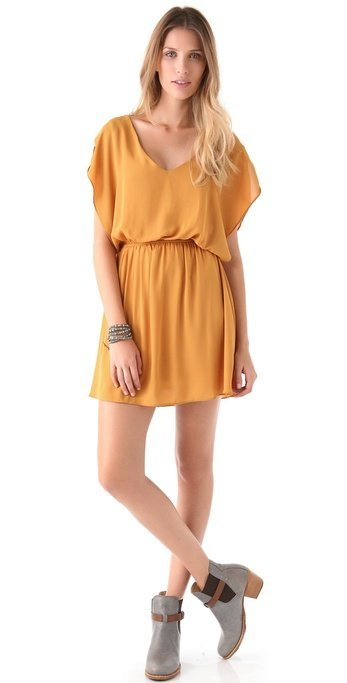 This one's better than your favorite t-shirt but just as easy to throw on.  Bb Dakota Ashton Keyhole Back Dress ($80)