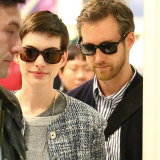 Anne Hathaway and Adam Shulman Arrive in London | Pictures