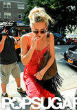 Kate Hudson Brings a Fresh Red Look to the Hot NYC Streets