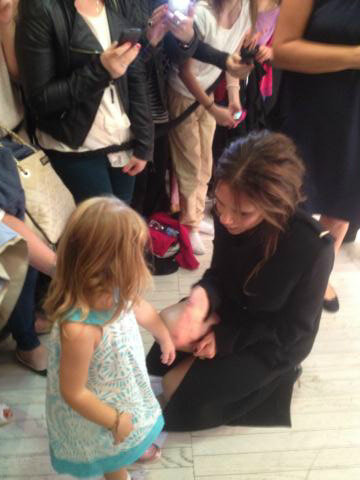 Victoria Beckham met a young fan at her store appearance in Dublin. Source: Twitter user victoriabeckham