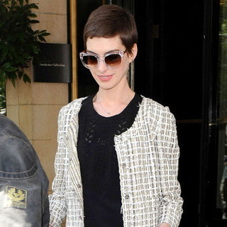 Anne Hathaway Wearing White Tweed Jacket