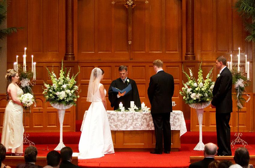Excellent Church Wedding Altar Decoration Ideas 850 x 560 · 154 kB · jpeg