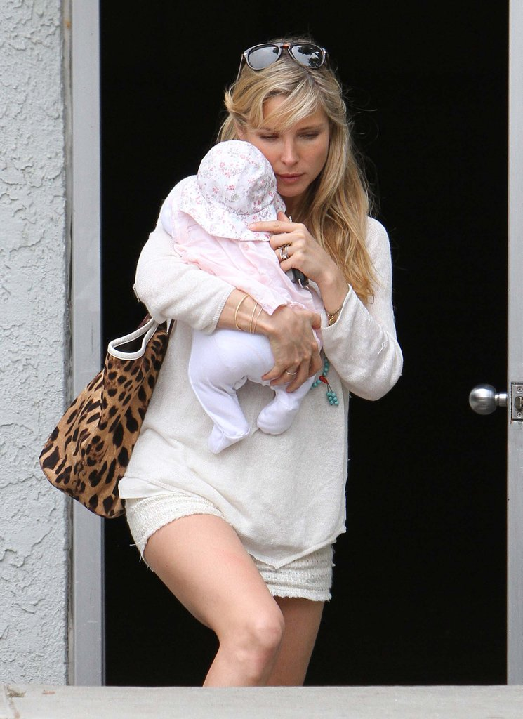 Elsa Pataky carried baby India.