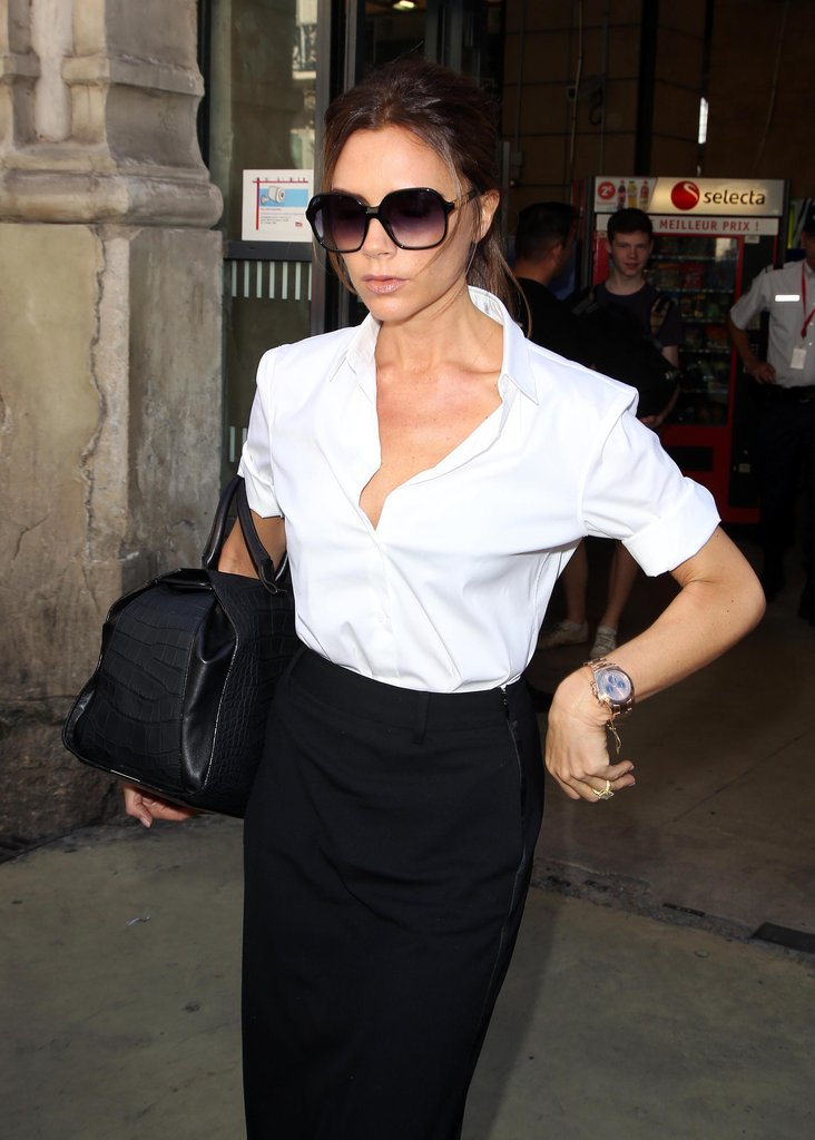 Victoria Beckham wore black and white.