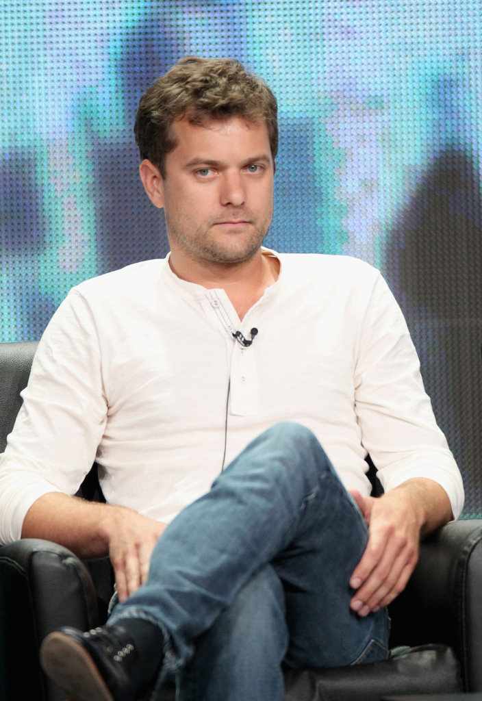 Joshua Jackson wore a white shirt for a Fringe panel.