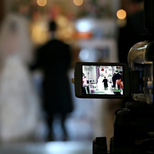 How to Save Money on Wedding Videographer