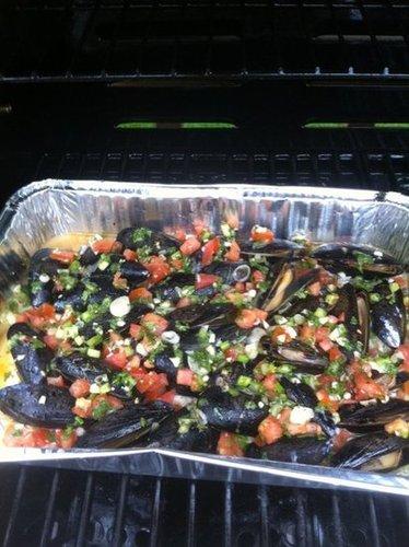 BBQ Mussels in garlic white wine sauce