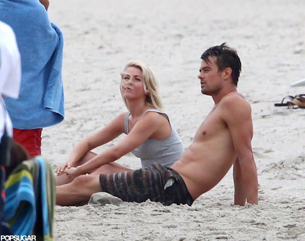 Josh Duhamel showed off his six-pack abs.