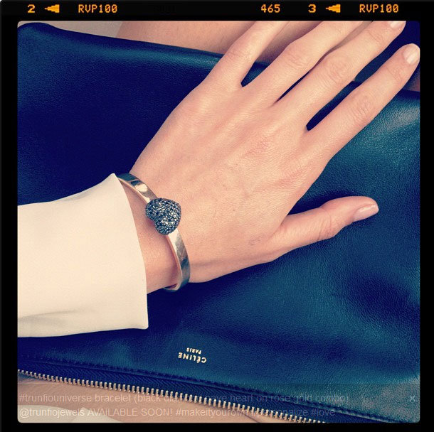 Ausse supe' models a new piece from her self-designed jewellery collection. We heart this rose gold bangle!
