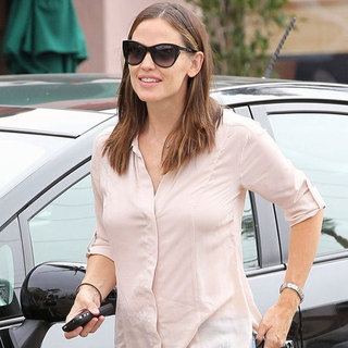 Jennifer Garner Wearing Jeans in LA