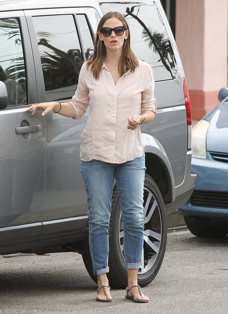 Jennifer Garner got out of her car in LA.