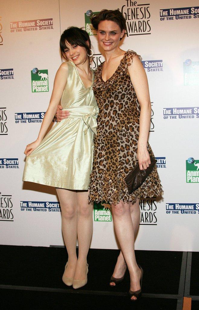 Zooey and Emily Deschanel