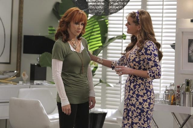 Reba McEntire and Sara Rue in Malibu Country.