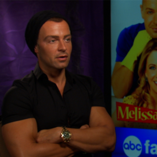 Joey Lawrence Melissa & Joey Interview (Video)