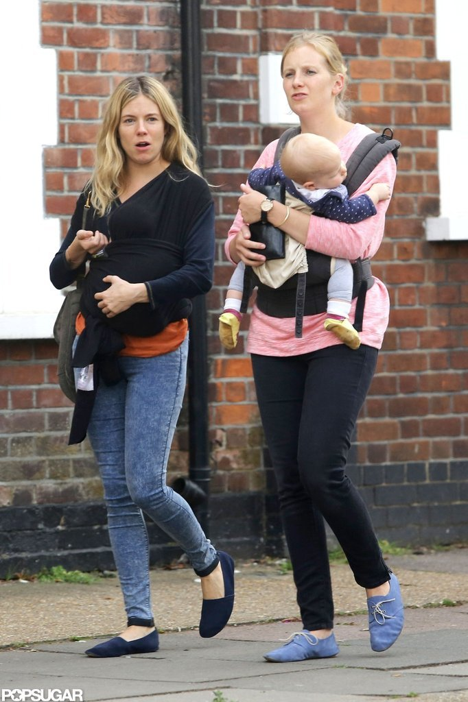 Sienna Miller and her sister Savannah walked to get frozen yogurt with their babies.