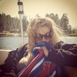 LeAnn Rimes went boating on a lake.  Source: Twitter user leannrimes