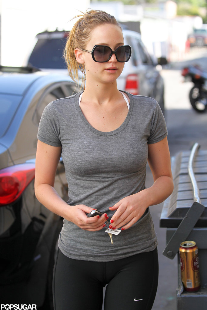 Jennifer Lawrence wore a gray t-shirt for a boxing workout.