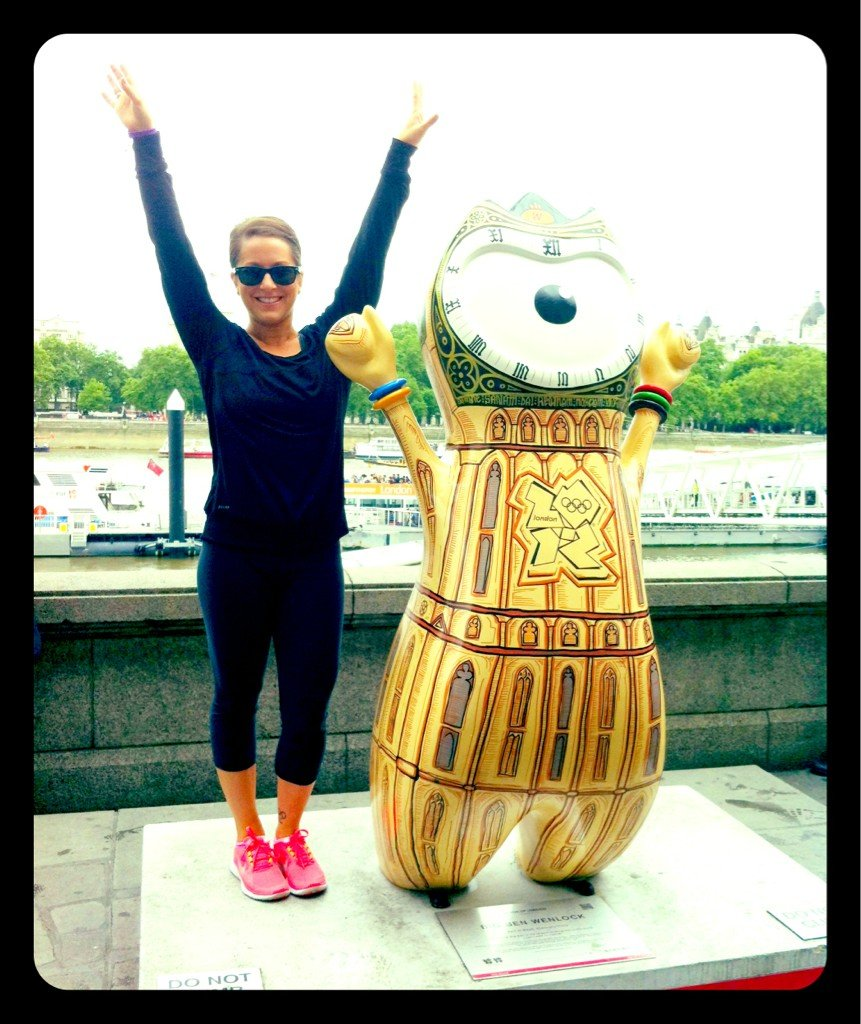 Carly Patterson posed with a statue in London. Source: Twitter user CarlyPatterson