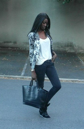 http://stylesbyassitan.blogspot.fr/2012/08/sneakers-compensees-i-finally-got-me.html
