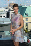 Jessica Biel gave a smile at the Total Recall photocall in Berlin.