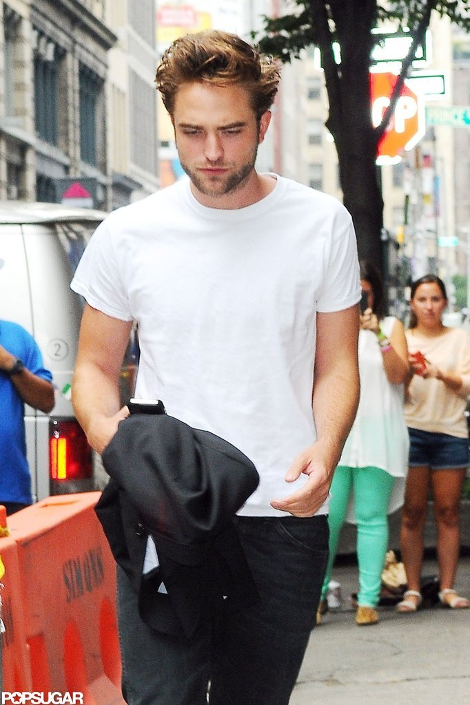 Robert Pattinson Gets Casual and Cute at Lunch