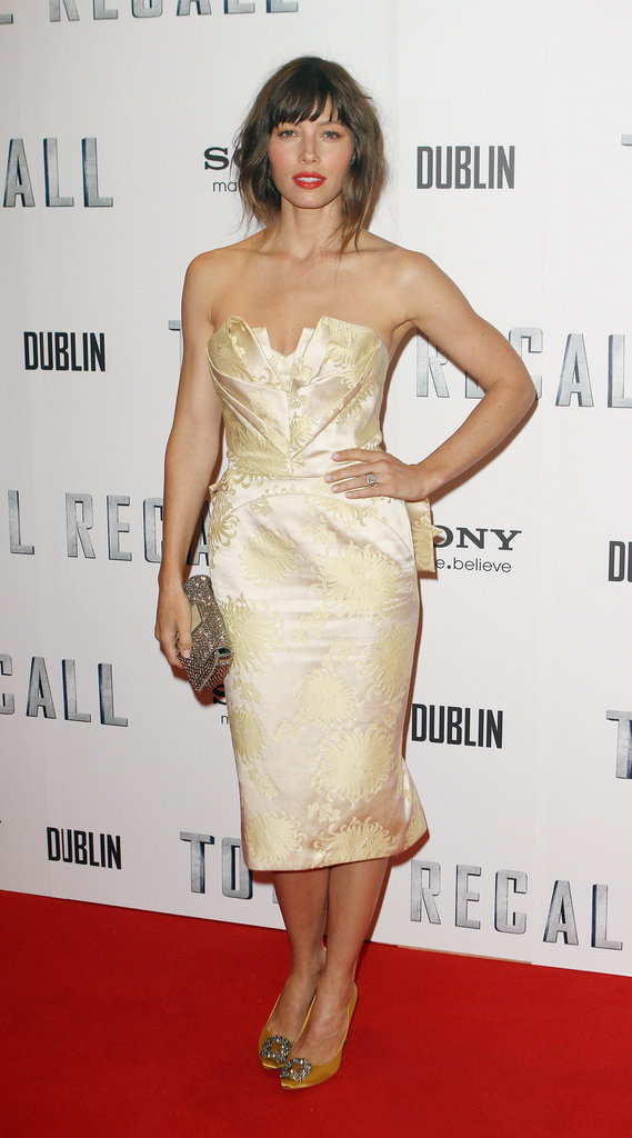 Jessica Biel attended the Dublin premiere of Total Recall in yet another statement number. Her yellow cream-colored Zac Posen strapless dress looked perfect against her embellished Fendi clutch and crystal-encrusted Manolo Blahnik pumps.