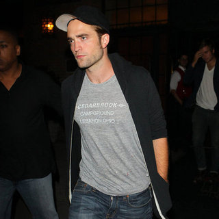 Robert Pattinson Parties in NYC | Pictures