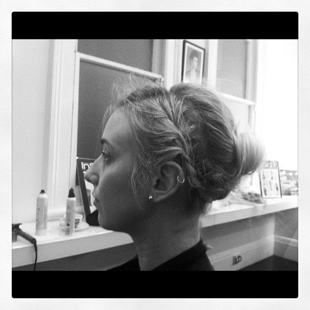 Alison had her hair braided (can you tell braids are a thing?) by celebrity hairstylist Barney Martin. Looks amaze!