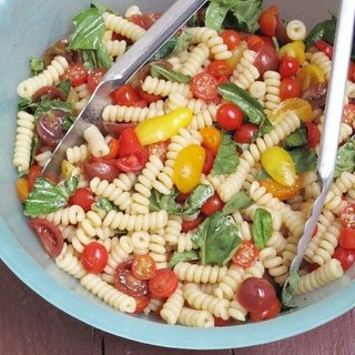 No-Cook Tomato Sauce Recipe