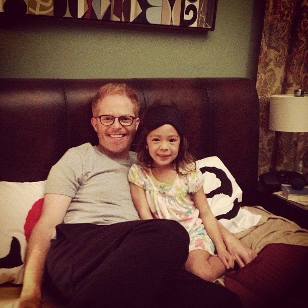 Jesse Tyler Ferguson hung out on the set of Modern Family with his on screen daughter.  Source: Instagram user jessetyler
