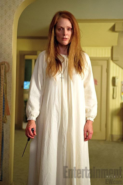 Julianne Moore plays Carrie's troubled mother.