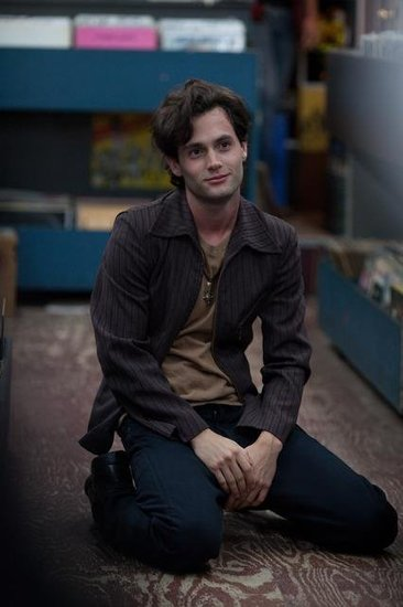 Penn's hipster look actually isn't so far off from Dan Humphrey.