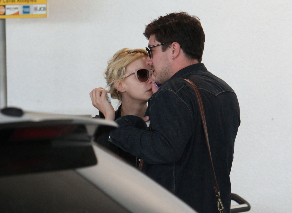 Carey Mulligan and Marcus Mumford showed PDA.