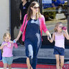 Jennifer Garner Blogging For Save the Children Pictures