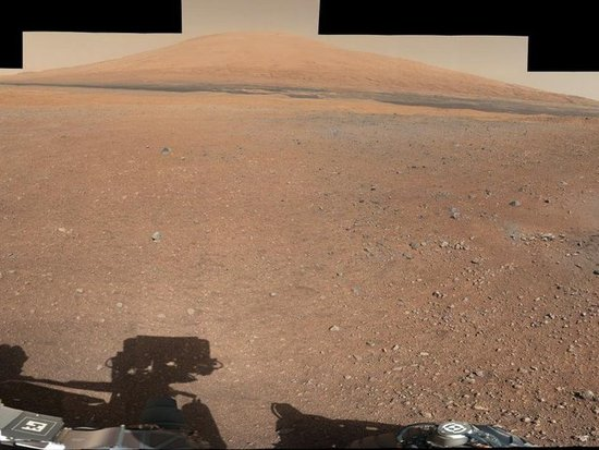 Landing site of the Curiosity rover with Mount Sharp in the background. Source: NASA