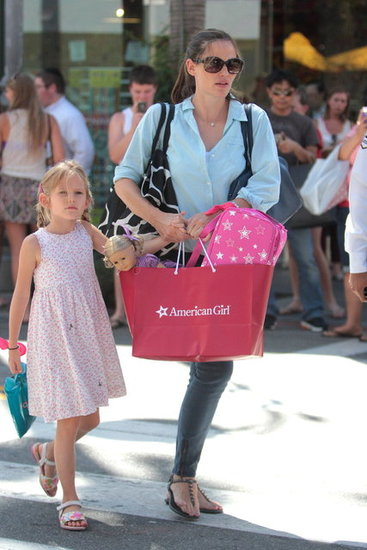Jennifer Garner and Violet Affleck had a shopping date in LA.