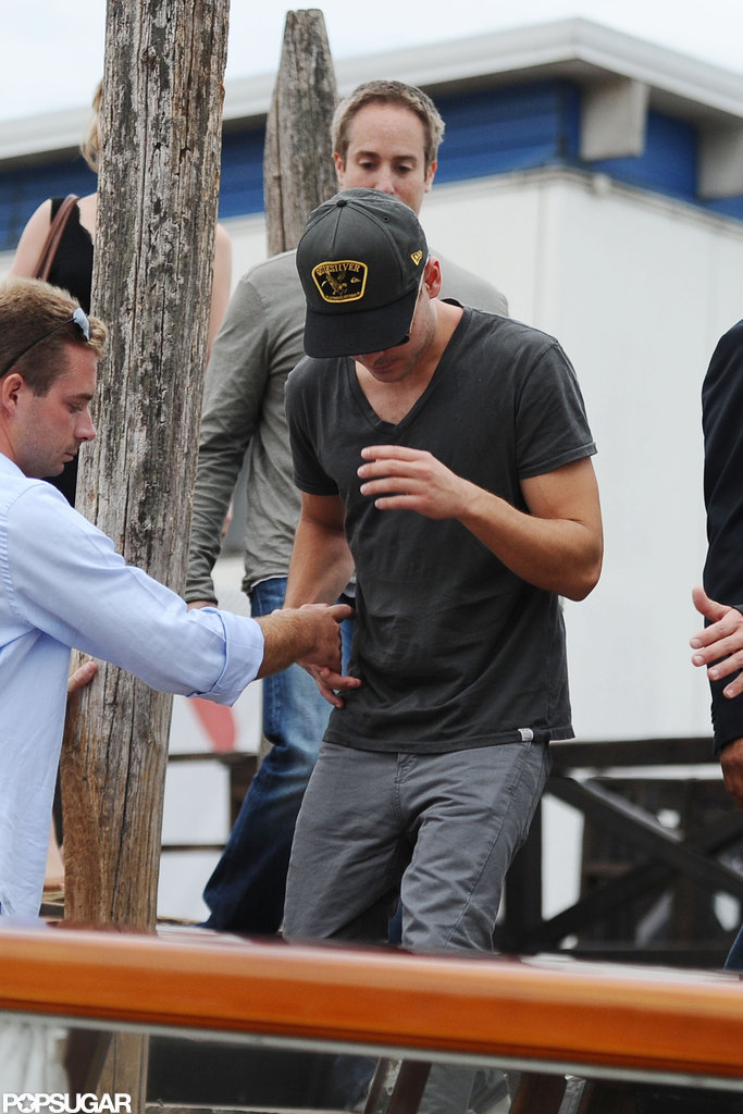 Zac Efron Packs Up and Heads to Venice