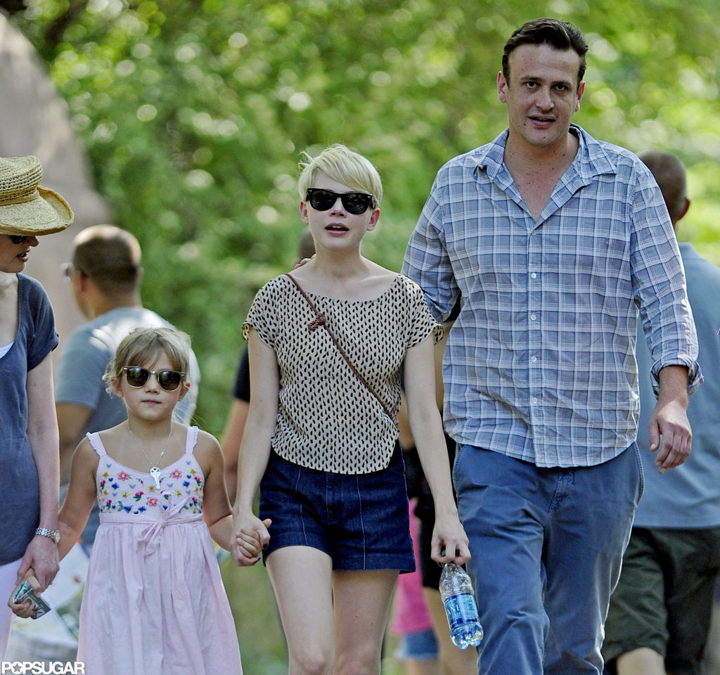 Michelle Williams, Jason Segel, and Matilda Ledger had an afternoon at the zoo.