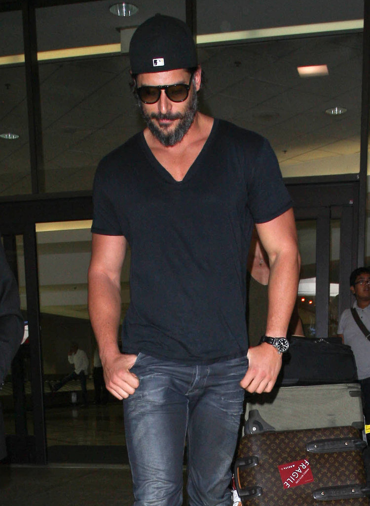 Joe Manganiello sported a V-neck while traveling.