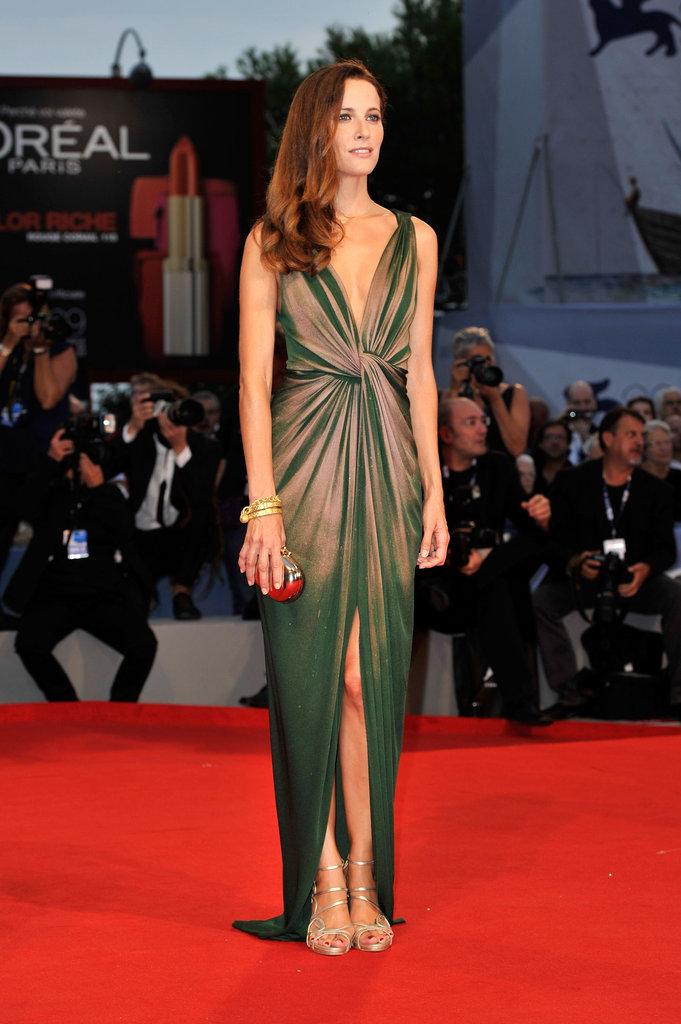 Maria Joao Bastos donned a cool knotted gown, complete with a subtle front slit, for the Lines of Wellington premiere.