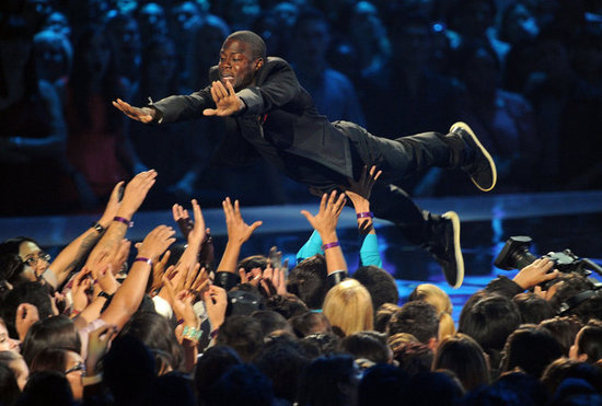 Kevin Hart jumped into the crowd.